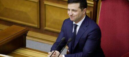 Рада одобрила закон Зеленского об инвестиционных нянях