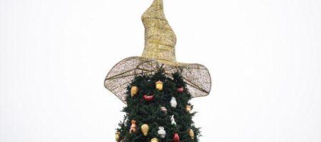 Скандальная шляпа с главной елки страны вернулась на Софийскую площадь, но уже в другой роли