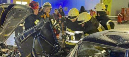 В Киеве произошло масштабное ДТП: среди пострадавших есть дети (ВИДЕО)
