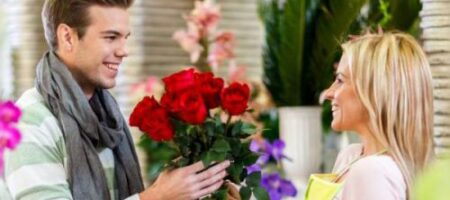 Эти комнатные цветы помогут девушкам привлечь любовь в свою жизнь