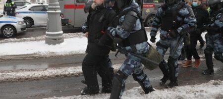 В РФ возобновились протесты, задержаны 550 человек