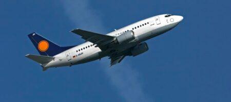 У побережья Индонезии упал пассажирский самолет Boeing 737, началась спасательная операция