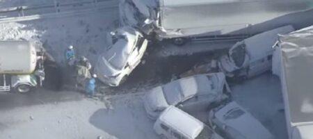 В Японии из-за снегопада в ДТП попали более 130 автомобилей (КАДРЫ)