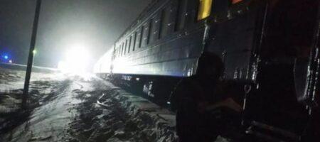 На Житомирщине тушили пассажирский поезд: что произошло