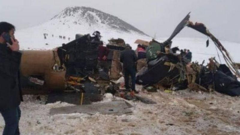 В Турции при крушении вертолета погиб генерал и еще 10 человек