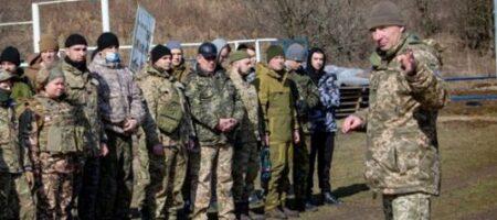 Около Крыма создают подразделения из тысяч военных