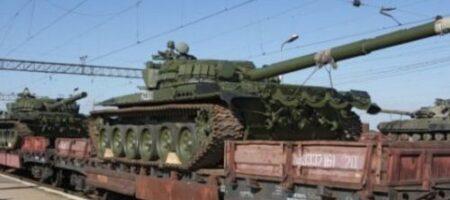 Эшелон за эшелоном: свежие кадры, как Россия стягивает военную технику к Украине. ВИДЕО