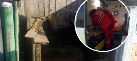 Под Хмельницким девочка упала в 17-метровый колодец, и мать бросилась за ней