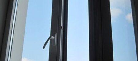 Украинец выбросил девушку из квартиры в Москве и выпрыгнул вслед сам