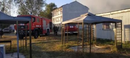 В Затоке случился пожар на базе отдыха, сгорели 4 дома