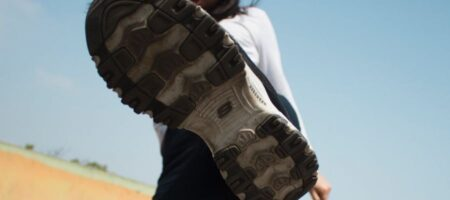 В Крыму обнаженная женщина напала на полицейских (ВИДЕО)