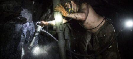 В шахте на Донбассе оборвался трос: погибли 9 горняков