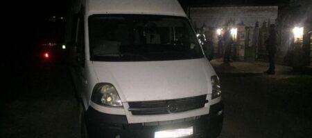 Под Львовом отец на микроавтобусе задавил насмерть двухлетнюю дочь
