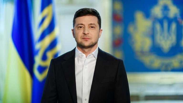 Вы ежедневно совершаете подвиг, – Зеленский поздравил защитников и защитниц Украины