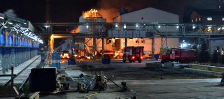 Ночью в Одесской области горел маслоперерабатывающий завод (КАДРЫ)