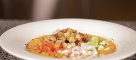 Холодный суп гаспачо: рецепт приготовления в домашних условиях (ВИДЕО)