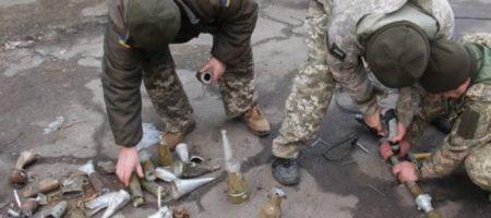 Украинские военные собрали «боевую елку» из снарядов боевиков