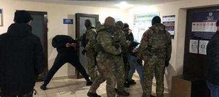 Вооруженные молодчики из Одессы обстреляли инкассаторское авто. ФОТО, ВИДЕО