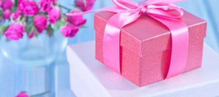 Что ни в коем случае нельзя дарить на праздники женщинам