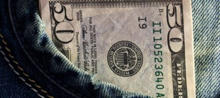 Зарплаты как в Польше: Зеленский удивил своим заявлением