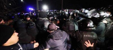Зеленский увидел политическую поддержку в протестах в Новых Санжарах