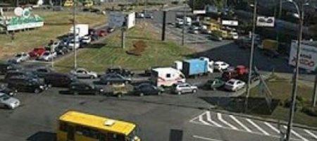 Переехал ноги и удрал: дикое ЧП с девушкой в киевской маршрутке