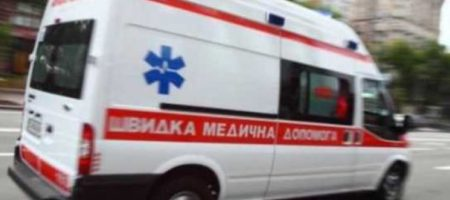 """Молодая украинка """"отправила в нокаут"""" подвыпившую женщину кашлявшую на ее ребенка. ВИДЕО"""