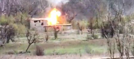 На Донбассе ВСУ метким ударом уничтожили позицию снайпера боевиков (ВИДЕО)