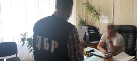 Пограничника, выпустившего Порошенко на Мальдивы, привлекут к ответственности