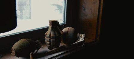 В Киеве обнаружили ржавую гранату в детской песочнице