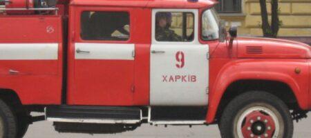 В Харькове трамвай перевернул пожарную машину, спешащую на вызов (ВИДЕО)