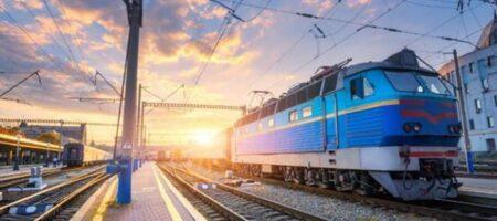 «Укрзализныця» объяснила, почему вновь продает билеты на все места в поездах