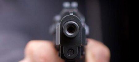 Пуля до сих пор находится в легких: в Кривом Роге полицейский стрелял в подростка