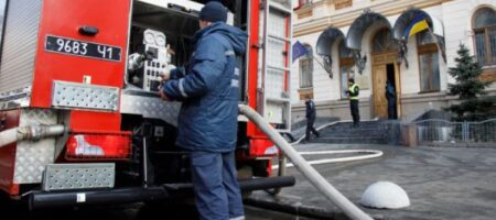 Ужас в киевской многоэтажке: в квартире заживо сгорела женщина (ВИДЕО)