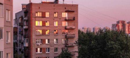 В Запорожье женщина висела на балконе 9 этажа: ВИДЕО происшествия