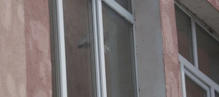 Пуля луцкого терориста попала в окно здания полиции, которое возле места ЧП