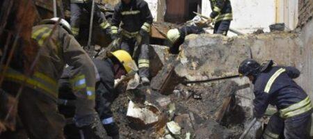 ЧП под Киевом: на головы людей рухнул жилой дом