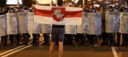Бессмертный уверен, что к разгонам демонстрантов в Беларуси привлекли войска РФ
