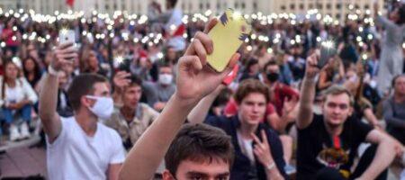 Окружение Лукашенко струхнуло и готовится к бегству в Россию
