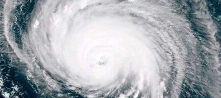 Ураган грозится стереть с лица земли два штата: людей срочно эвакуируют