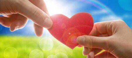 Сентябрьская любовь: кому из Зодиаков светит встреча с кармическим партнером (ВИДЕО)