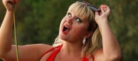 Украинка с 15 размером груди поразила новым снимком в купальнике