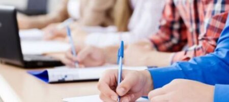 Знание украинского языка: чиновникам готовят серию экзаменов в 2021 году