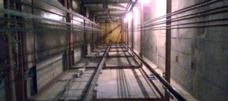ЧП в Киеве: в ТРЦ оборвался лифт, погиб 52-летний мужчина