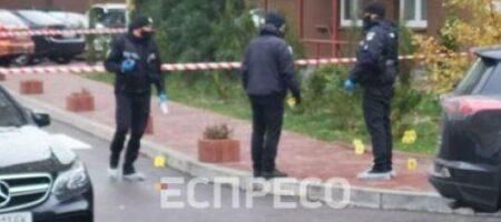 В Киеве расстреляли машину из автомата с глушителем (ФОТО, ВИДЕО)