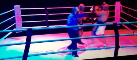 Легенды бокса Майк Тайсон и Рой Джонс устроили шоу в выставочном бое (ВИДЕО БОЯ)