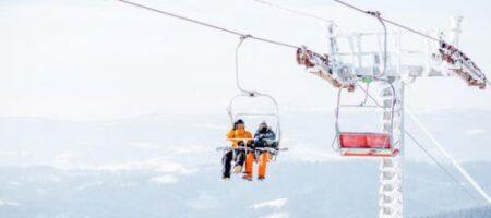 В Карпатах застряли на подъемнике более 70 туристов
