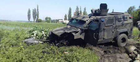 Потери на Донбассе — взорвалась машина с украинскими военными (ФОТО)