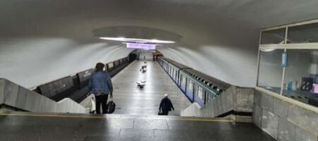 В метро Харькова пассажир избил полицейского за замечание о маске (ВИДЕО)
