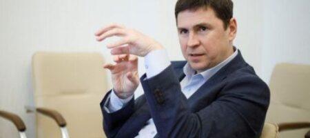 У Зеленского рассказали, зачем РФ стягивает войска к границам Украины